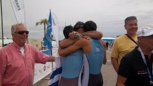 RUBEN SCARPATI abraza a Rodo y Emiliano , Tigre 012