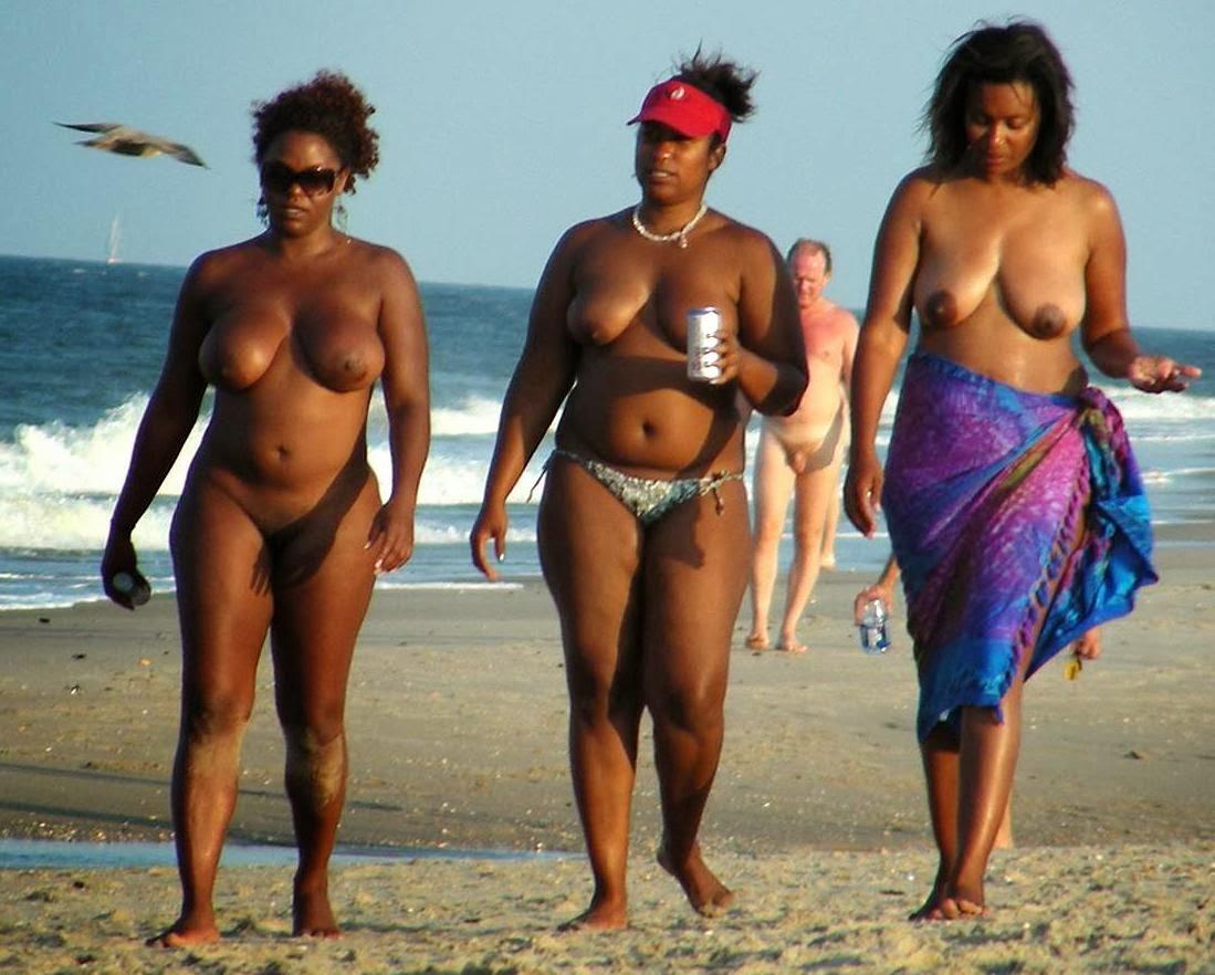 foto-golih-nudistov-brazilii