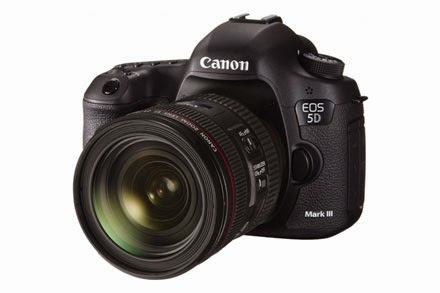 EOS 5D Mark III EF 24-70mm f/4L IS USM Lens Kit