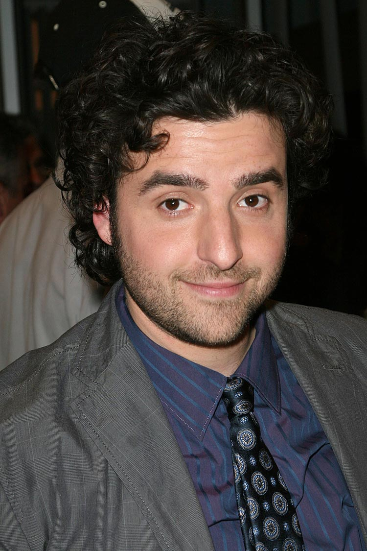 4575893989 besides 4 additionally Jake Johnson 649738 W also  as well Oscar Isaac And Girlfriend. on oscar isaac david krumholtz