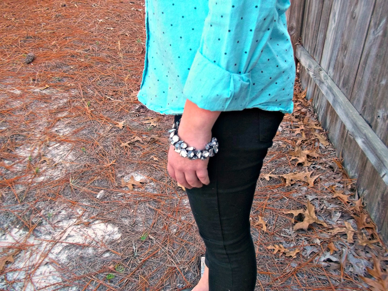 Polka Dots and Heels. polka dot button down, black skinnies, black heels, sparkly jewelry.