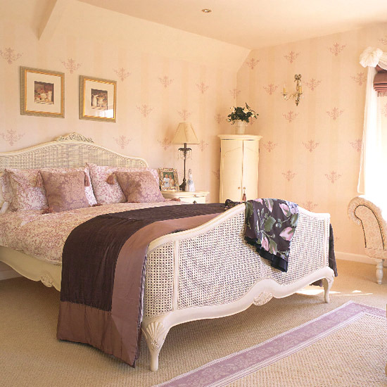 New Home Interior Design: Stylish Country Bedroom