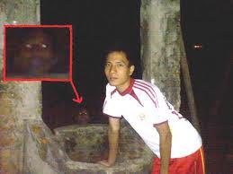 Foto-Foto Penampakan Pocong Setan Terbaru
