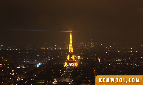 eiffel tower nigh paris