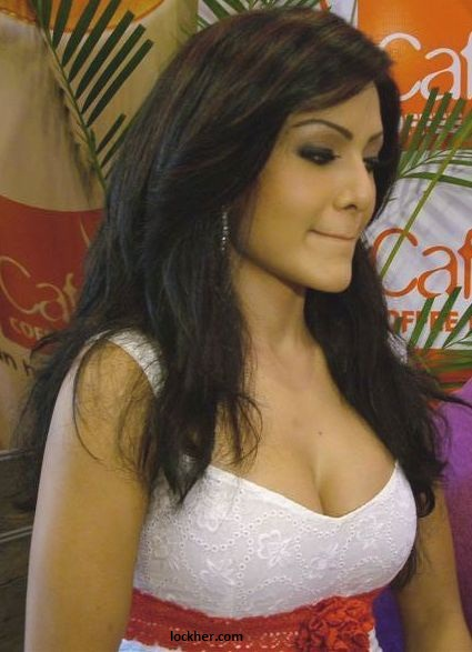Koena mitra hot bikini & cleavage sexy wallpapers | Cinephotoglitz
