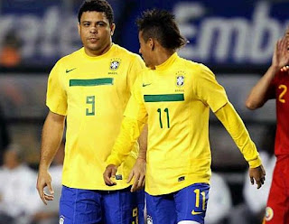 Neymar with Ronaldo in the last match of the former striker