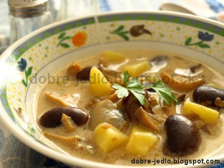 Fazuľová polievka nakyslo so šampiňónmi - recepty