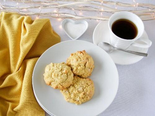 Vegan White Chocolate Lemon Macadamia Nut Cookies