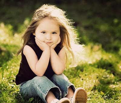 Foto bayi cantik dan menggemaskan