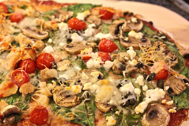 Wholewheat pizza closeup on www.anyonita-nibbles.com