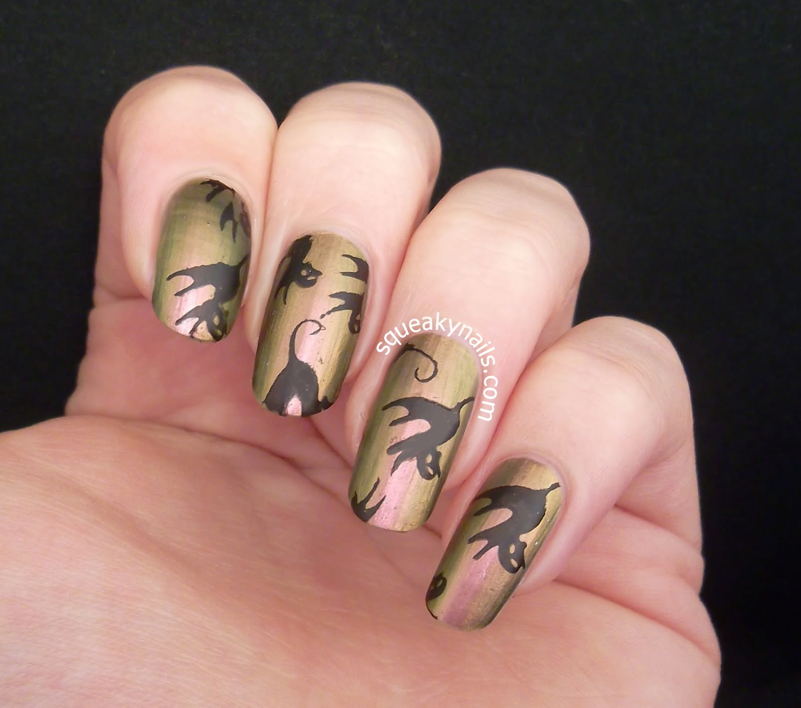 Black cat stamping nail art with Bundle Monster Holiday Collection   Squeaky Nails