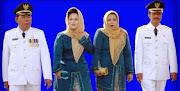 Bupati Drs.H.Syahrir Wahab MM Dan Wakil Bupati H. Saiful Arief SH Bersama Istri.