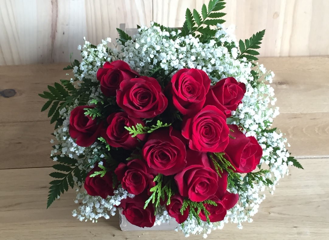 por nuestra parte no podemos poner ni una pega el servicio es genial el acabado de las flores lo podis ver en las fotos y la calidad de las flores - Fotos De Ramos De Flores Preciosas