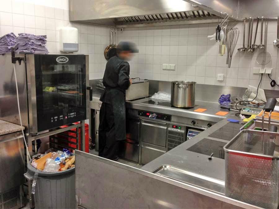 Gastro k chenblock gebraucht heidebrenner sockelaus hrung for Kuchenblock gebraucht