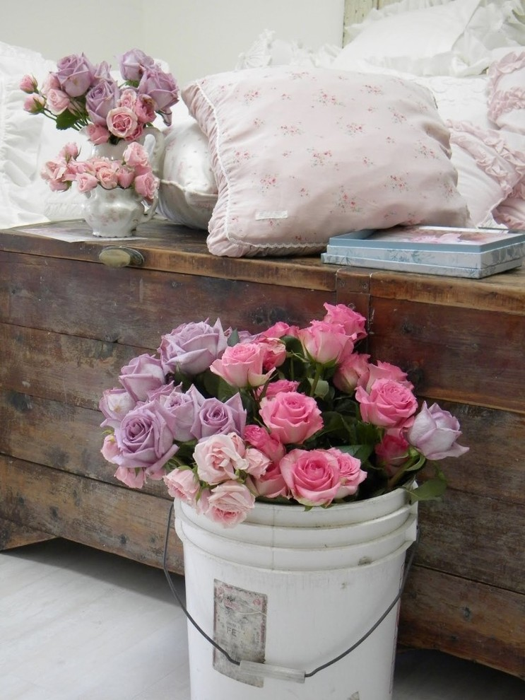 country style chic shabby chic style in spring pastels. Black Bedroom Furniture Sets. Home Design Ideas