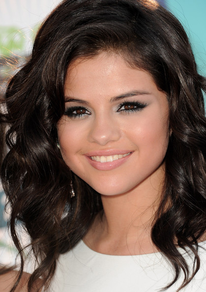 Selena gomez - makeup inšpirácia