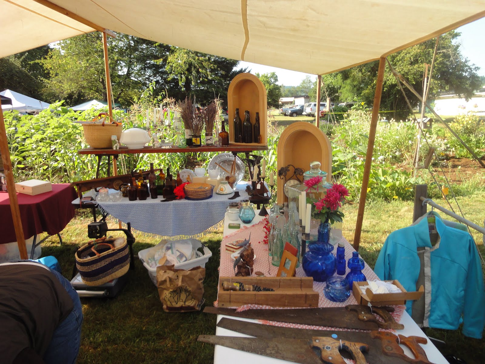 the wade creek house in estacada second estacada flea market at