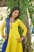 Swapna Photo shoot at debut movie launch-thumbnail-13