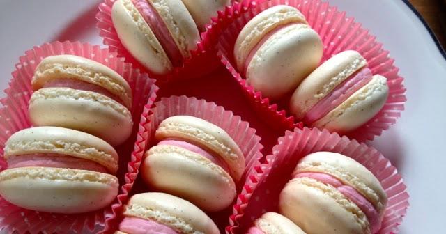 Heidi's Mix: Vanilla Bean Strawberry Macarons