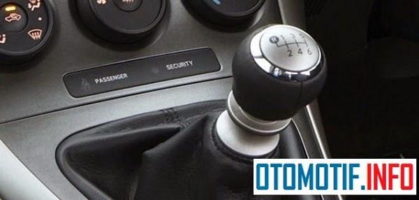 Mobil Manual Masih Menjadi Pilihan Dan Digemari
