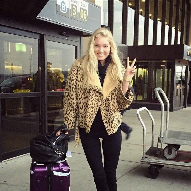The Victoria's Secret model shared her victory image during her job at Sweden into her Instagram account.