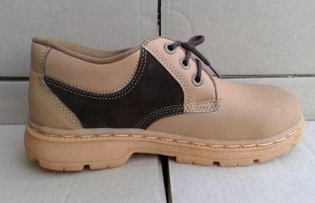Sepatu pantofel Keselamatan Bahan kulit nubuck