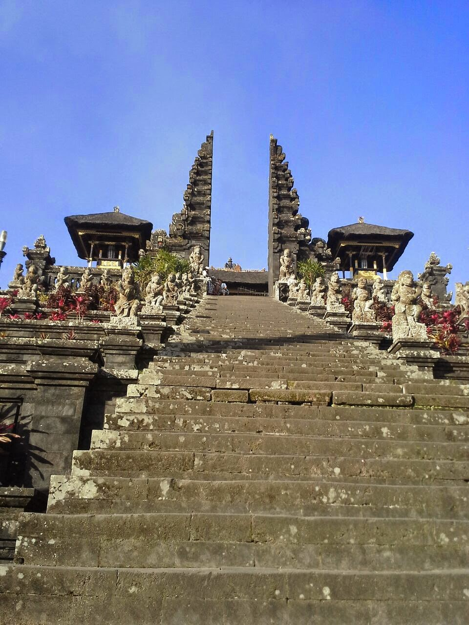 Templo Madre de Besakih, Bali, Indonesia, el más grande, sagrado e importante de la religión hindú en Bali.