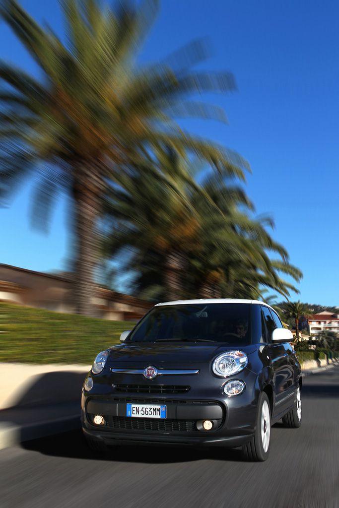 Foto della Fiat 500L in Costa Azzura