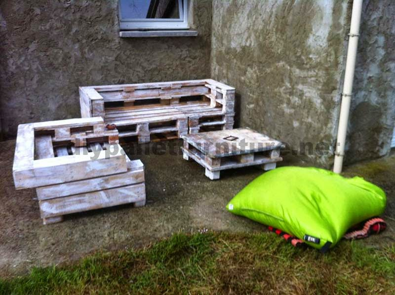 Set de muebles de palets con sof y for Muebles de jardin con palets