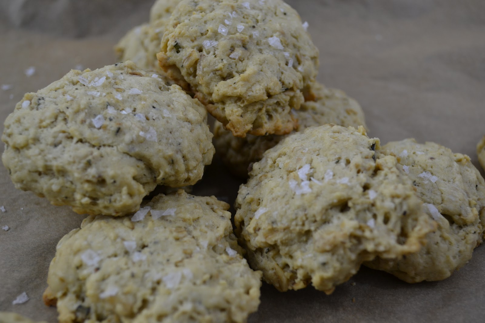 kale and kumquats: Savory Oatmeal Cookies