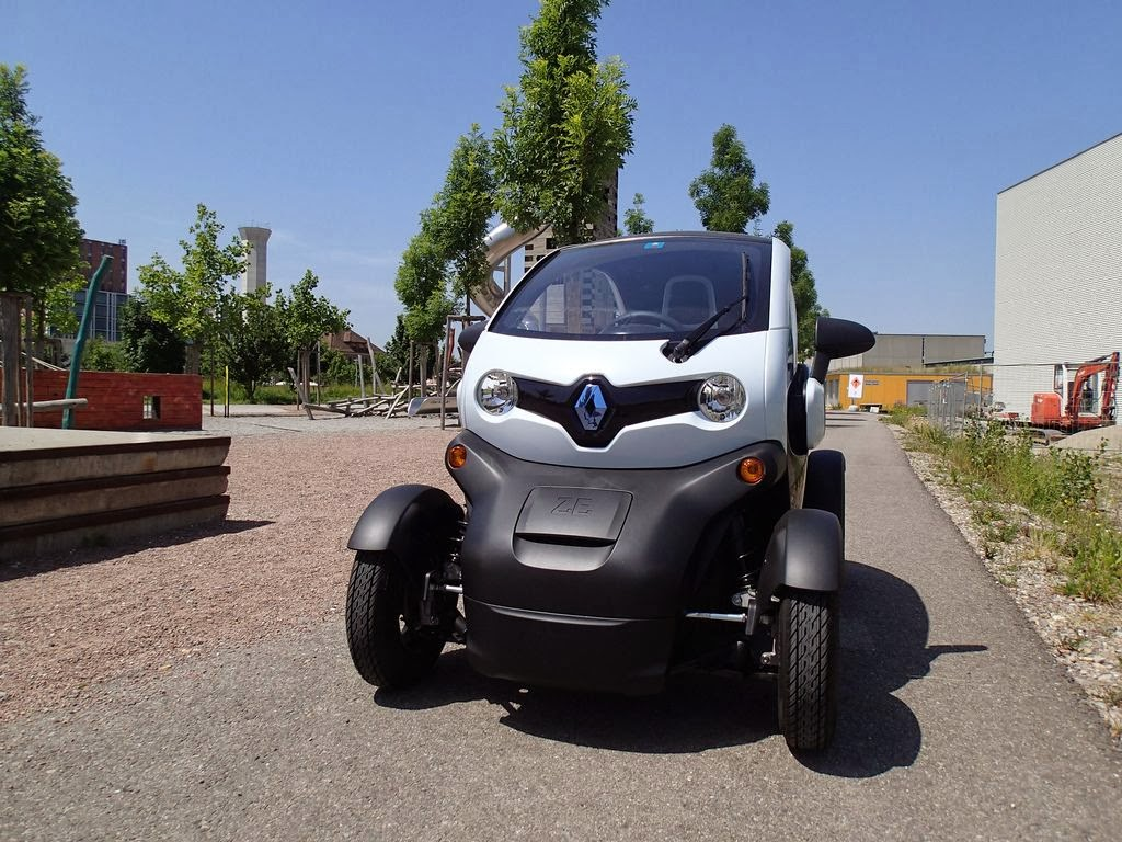 blog fuad informasi dikongsi bersama renault twizy urban electric vehicle. Black Bedroom Furniture Sets. Home Design Ideas
