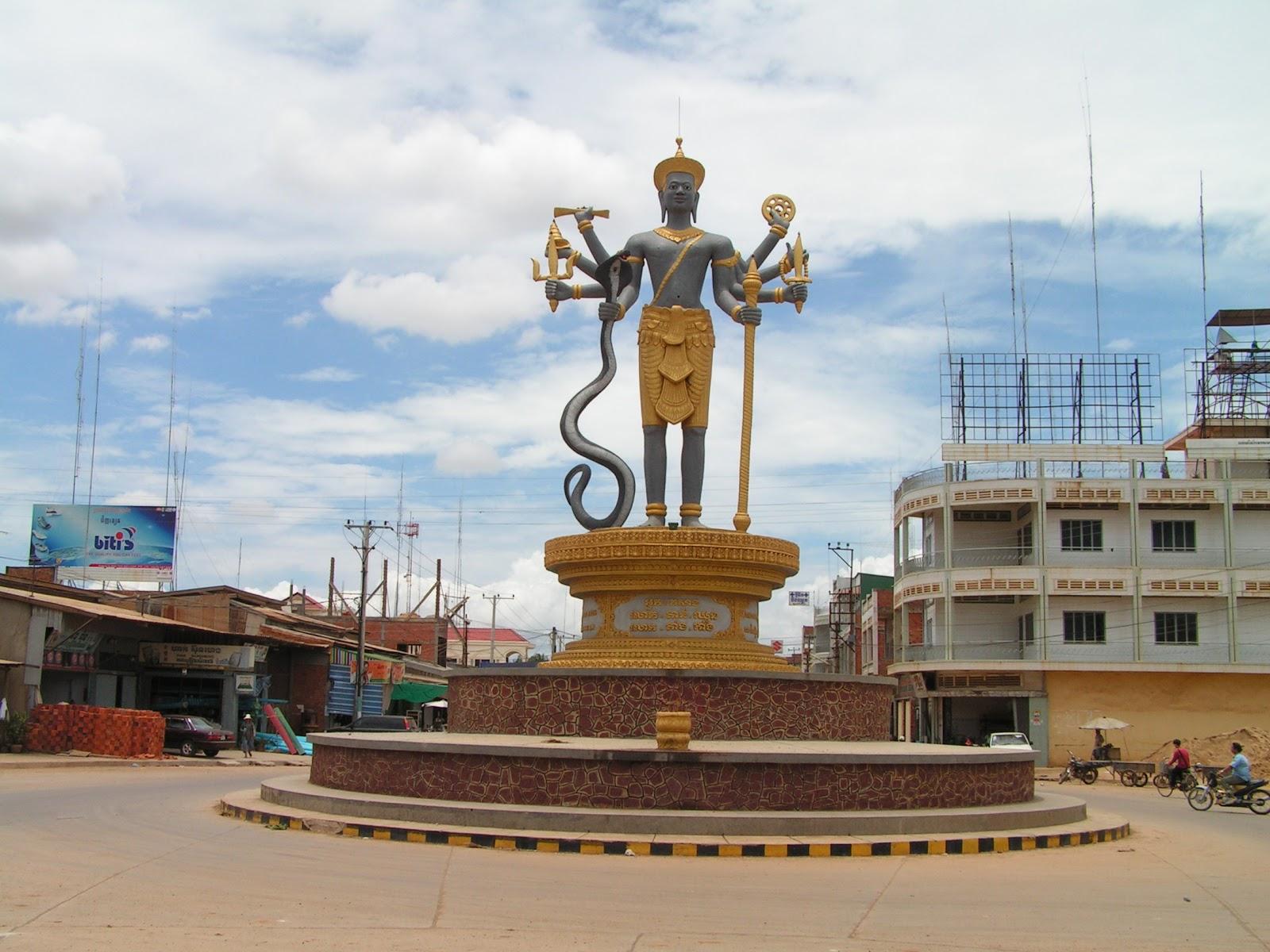 Battambang Cambodia  City pictures : Another street statue in Battambang, Cambodia