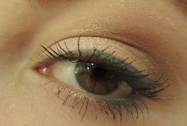 Revlon PhotoReady Kajal Eye Pencil Matte Grey Eyeliner