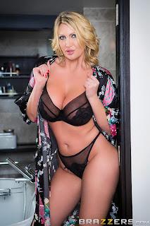 普通女性裸体 - sexygirl-LeighDarby2_01_%25281%2529-759543.jpg