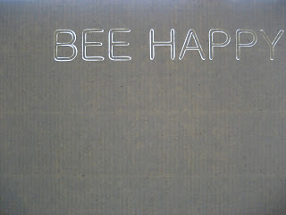 "fresh crafts blog: ""bee happy"" silhouette card"