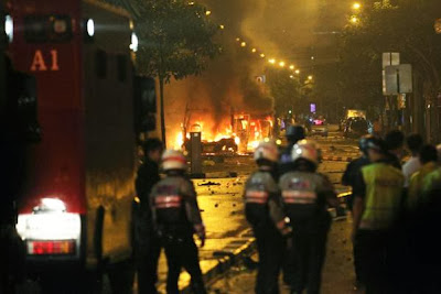 Fatal crash sparks riots in Singapore