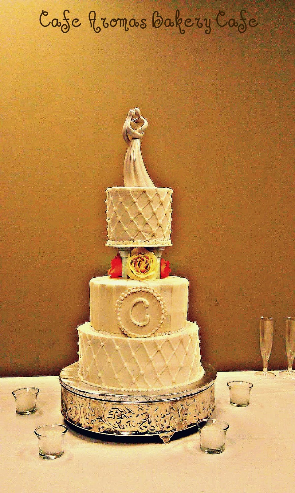 Cake Art Lawrenceville Hwy : CAFE AROMAS: Ivory Butter cream and Fondant Wedding Cake