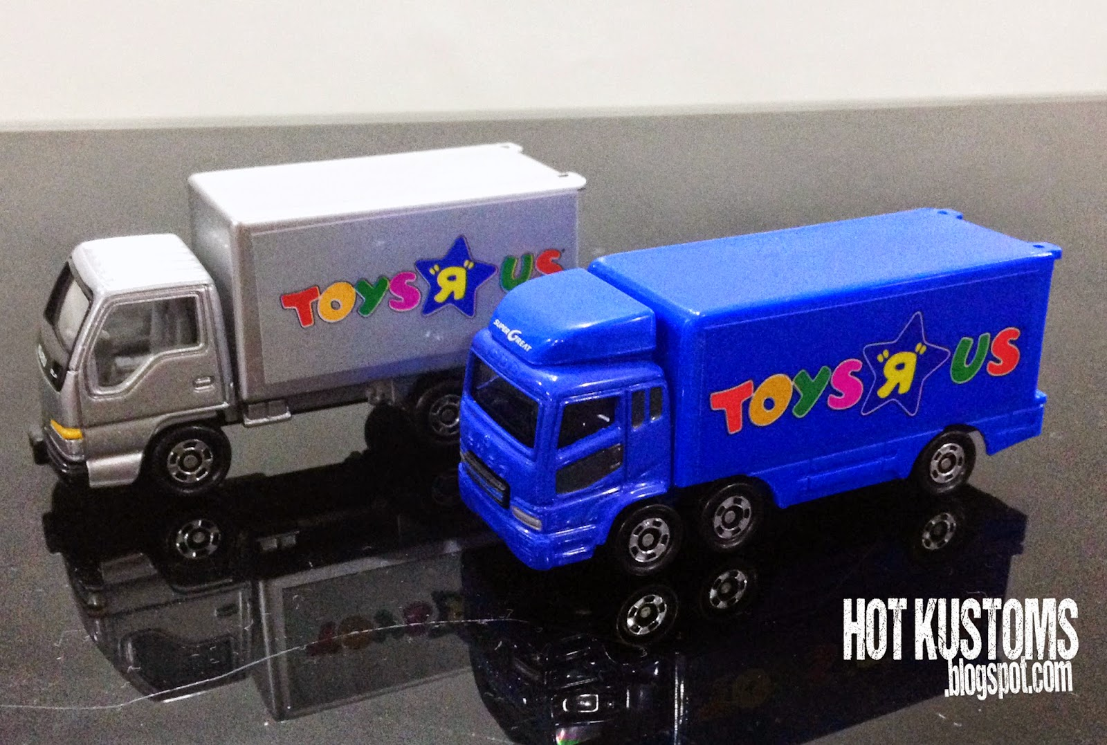 hot kustoms mini cars tomica mitsubishi fuso isuzu elf. Black Bedroom Furniture Sets. Home Design Ideas