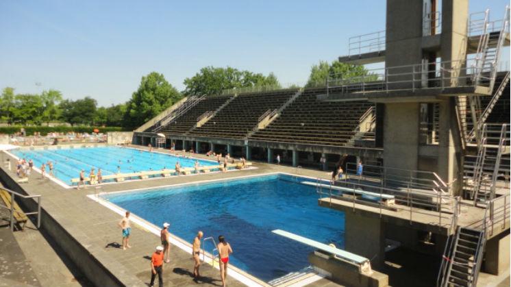 Visitar berl n en verano las piletas p blicas del estadio for Piscina olimpica barcelona