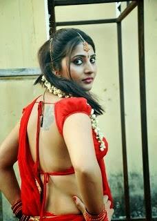 hot bhabhi backless photos