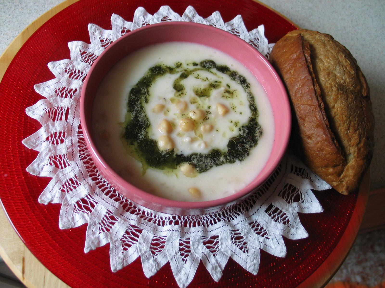 Tayland usulü fıstıklı, pirinçli çorba tarifi