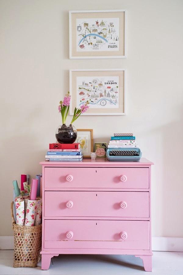 Cômoda rosa
