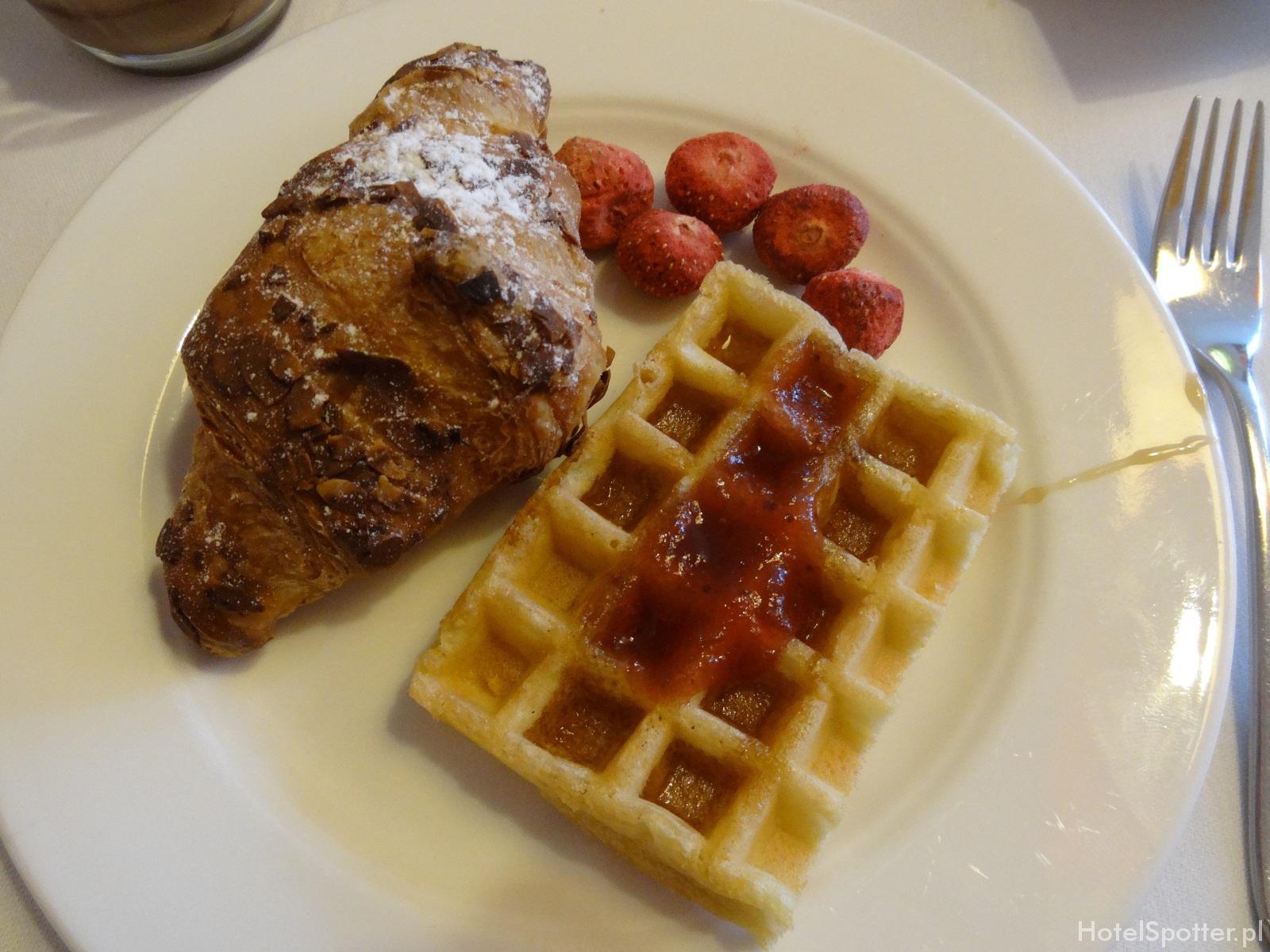angelo Hotel Katowice - slodkosci na sniadanie