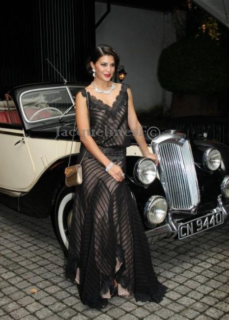 Jacqueline Fernandez in vintage Clothes1 - Jacqueline Fernandez in Vintage clothing at CJS event