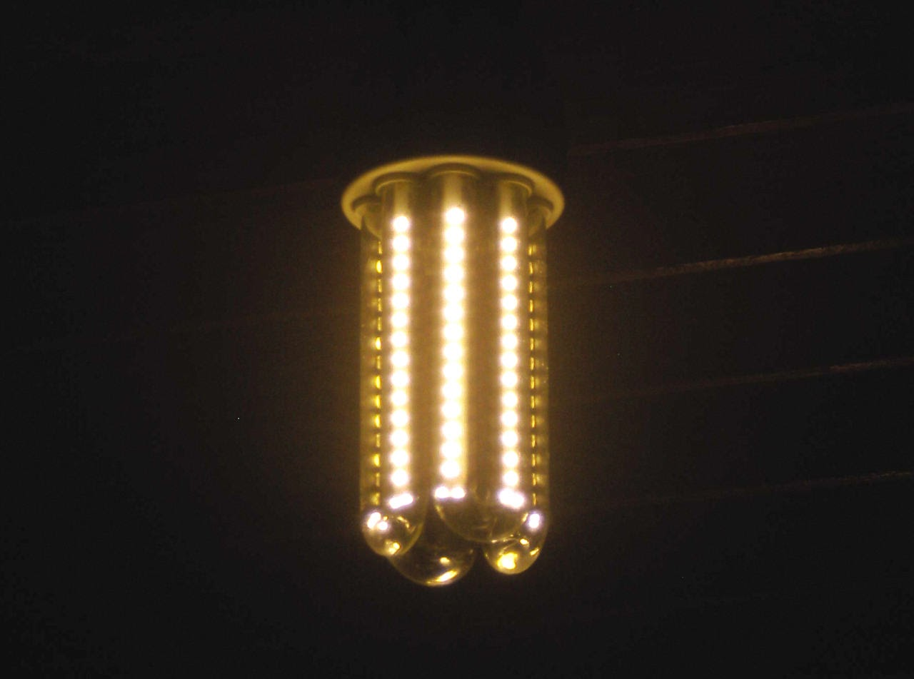 Cantinho do tk90x conserto de uma l mpada led for Lampada led