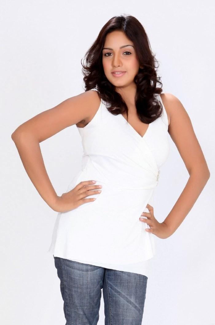 Pavani Reddy Actress H...