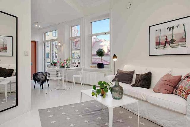 Aranżacja salonu w skandynawskim mieszkaniu
