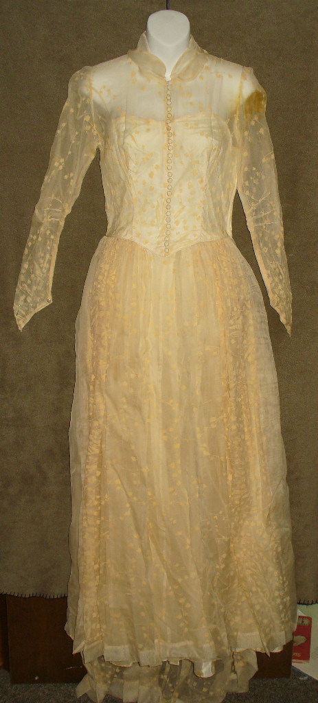 bluegrass voodoo vintage restoring vintage wedding gowns