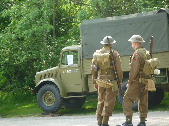 young soldiers wwii re-enactment crich