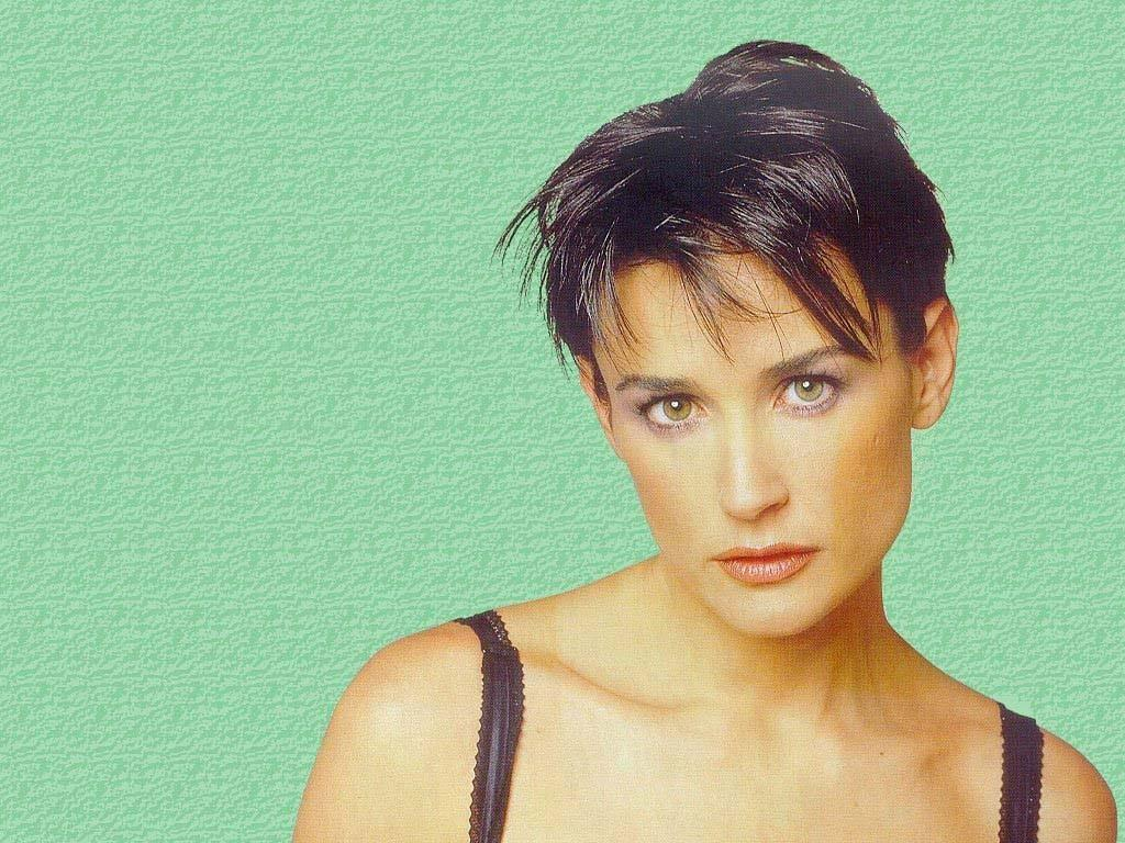 Jewelry Fashion And Celebrities Demi Moore Short Hairstyle